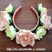 """Ободок с цветами """"Розы"""""""